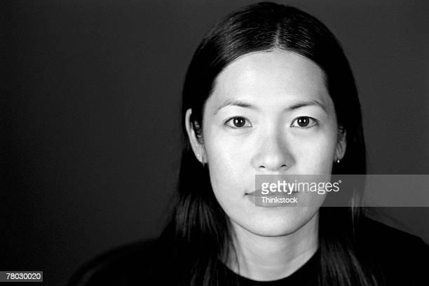 portrait of a woman - frauen über 30 stock-fotos und bilder