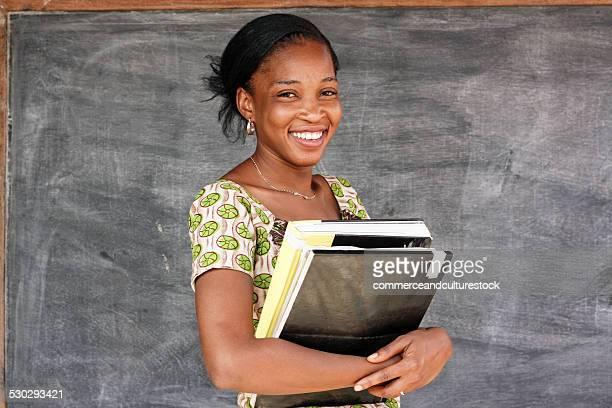 portrait of a woman teacher - mali photos et images de collection