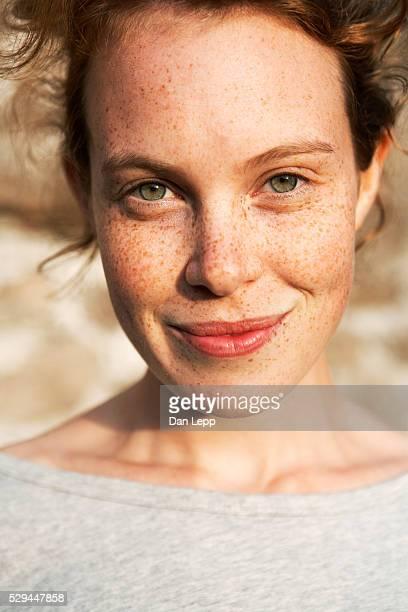 portrait of a woman with freckles sweden - sproet stockfoto's en -beelden