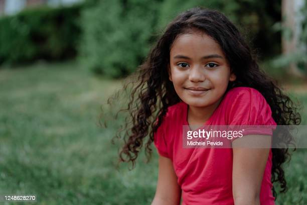 portrait of a young black girl - only girls stock pictures, royalty-free photos & images