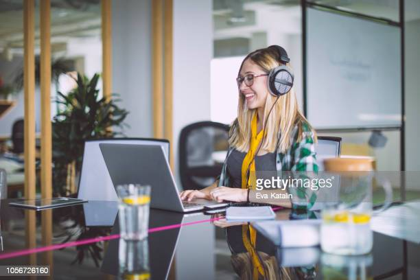 portrait of a young businesswoman - generation z stock pictures, royalty-free photos & images