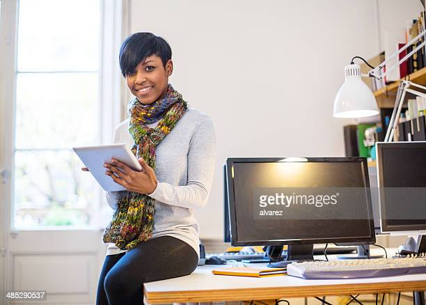portrait of a young woman entrepreneur - founder stock pictures, royalty-free photos & images