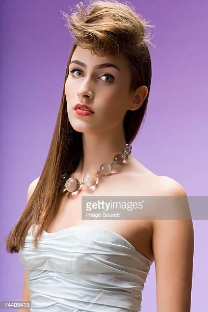 た若い女性のポートレート - ポンパドール ストックフォトと画像