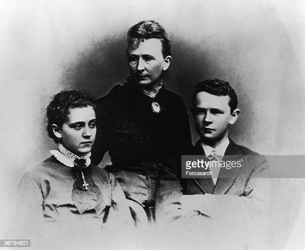 Portrait of activist Jane Addams at age 16 with her stepmother Anna Haldeman Addams and one of her two stepbrothers George Haldeman 1876