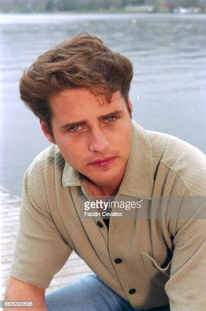 Portrait of actor Jason Priestley wearing a polo shirt on the set of the movie Life and Death on Long Island directed by Richard Kwietniowski This...