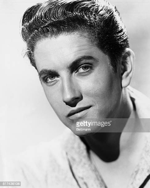 1950 Portrait of actor John Barrymore Jr A publicity handout for the movie The Sundowners