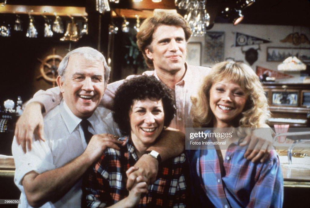 Cast Portrait From 'Cheers' : Nachrichtenfoto
