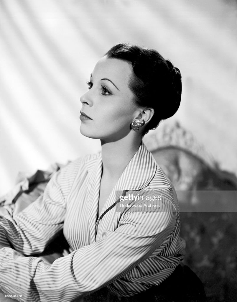 Actress Claire Bloom : News Photo