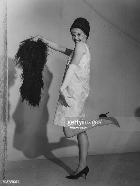 Portrait of actress Dorothy Provine star of the television show 'Roaring Twenties' posing in a shiftdress and hat prior to her appearance at the...