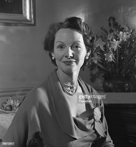 Portrait of Actress Elizabeth Allan at home 1952