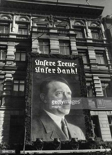 Portrait of Adolf Hitler on the facade of a Berlin puplishing house Photography 1939 [Portrait auf einem Berliner Verlagshaus anlaesslich des 50...