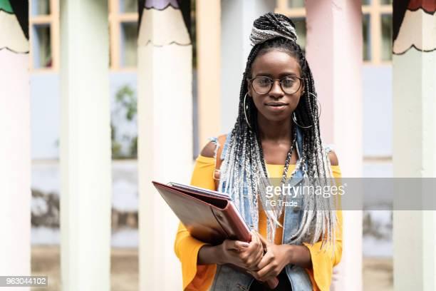 retrato de estudante afro - estudante - fotografias e filmes do acervo