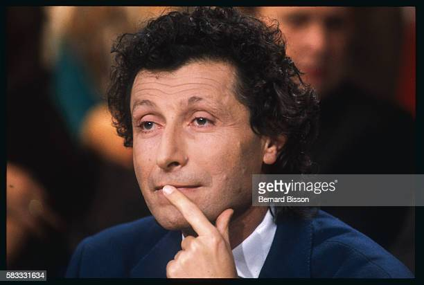 Portrait of AIDS specialist Doctor Willy Rosenbaum during the debate TV show La Marche du Siecle about the French scandal of contaminated blood In...
