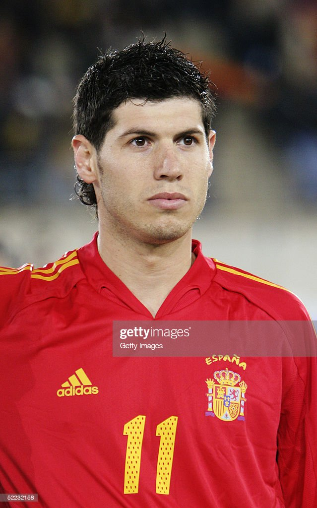 ¿Cuánto mide Albert Luque? Portrait-of-alberto-luque-of-spain-prior-to-the-world-cup-qualifier-picture-id52232158