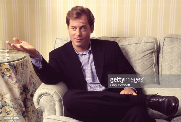 Portrait of American actor Greg Kinnear at the Essex House New York New York November 20 1995 He was there during a press junket for his film...