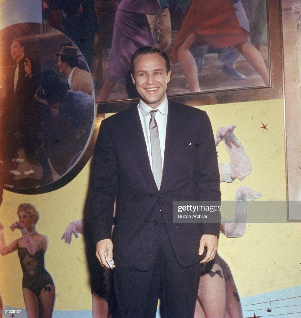 Marlon Brando Smiling In Suit : ニュース写真