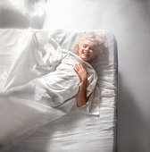 Portrait of american actress marilyn monroe as she lies on a bed in picture id644181320?s=170x170