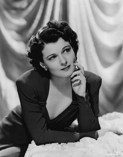 portrait-of-american-actress-ruth-hussey