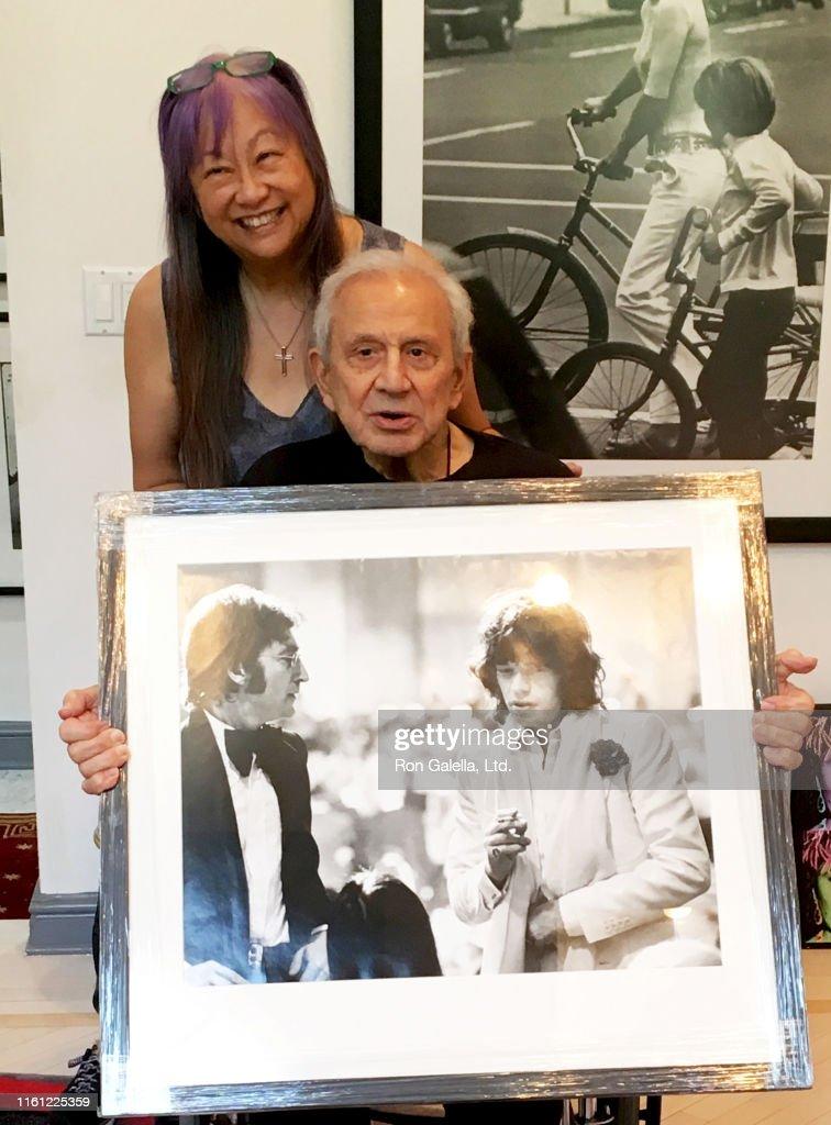 Portrait Of Pang & Galella : News Photo