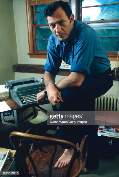 Portrait of American journalist Clifford Irving 1972 Along with author Richard Suskind he collaborated on a hoax 'autobiography' of reclusive...