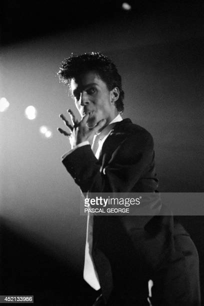 Portrait of American singer Prince taken 25 August 1986 at the Zenith in Paris for his only concert in the French capital Portrait du chanteur...