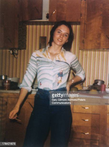 Portrait of American teenage mother Nicole Baker 1977 Baker dated and lived with convicted felon and later executed murderer Gary Gilmore