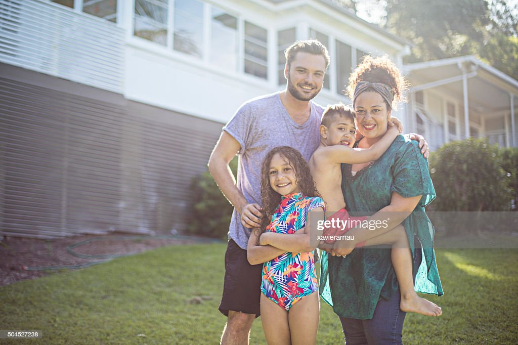 Portrait of an aboriginal family at home : Stock Photo