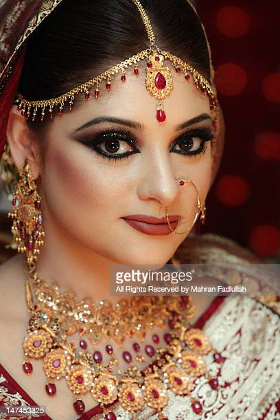portrait of an bangladesh women - bangladeshi bride stock photos and pictures
