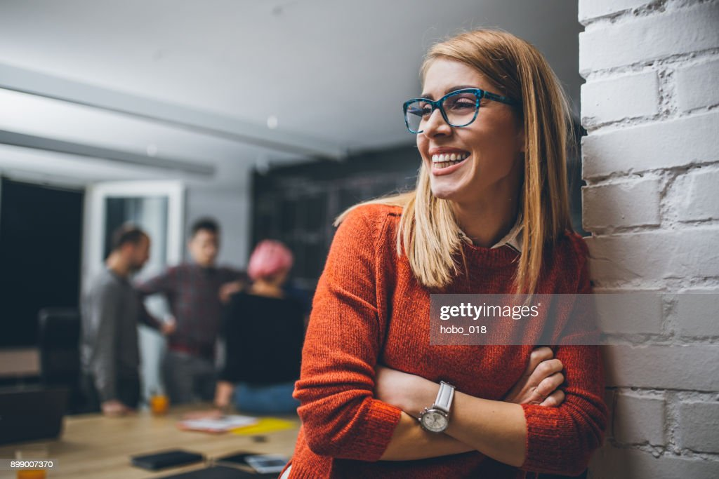 Portrait of an young confidente businesswoman : Stock Photo
