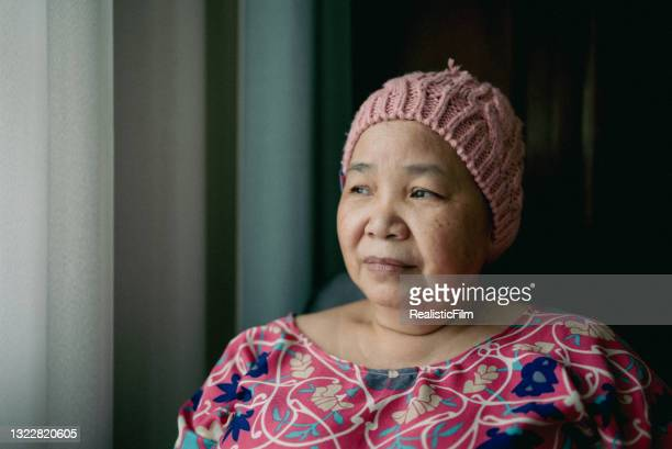 portrait of asian senior woman with cancer - thai ethnicity stock pictures, royalty-free photos & images