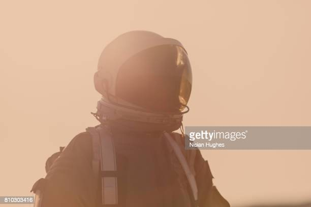 portrait of astronaut on mars - space mission stock pictures, royalty-free photos & images