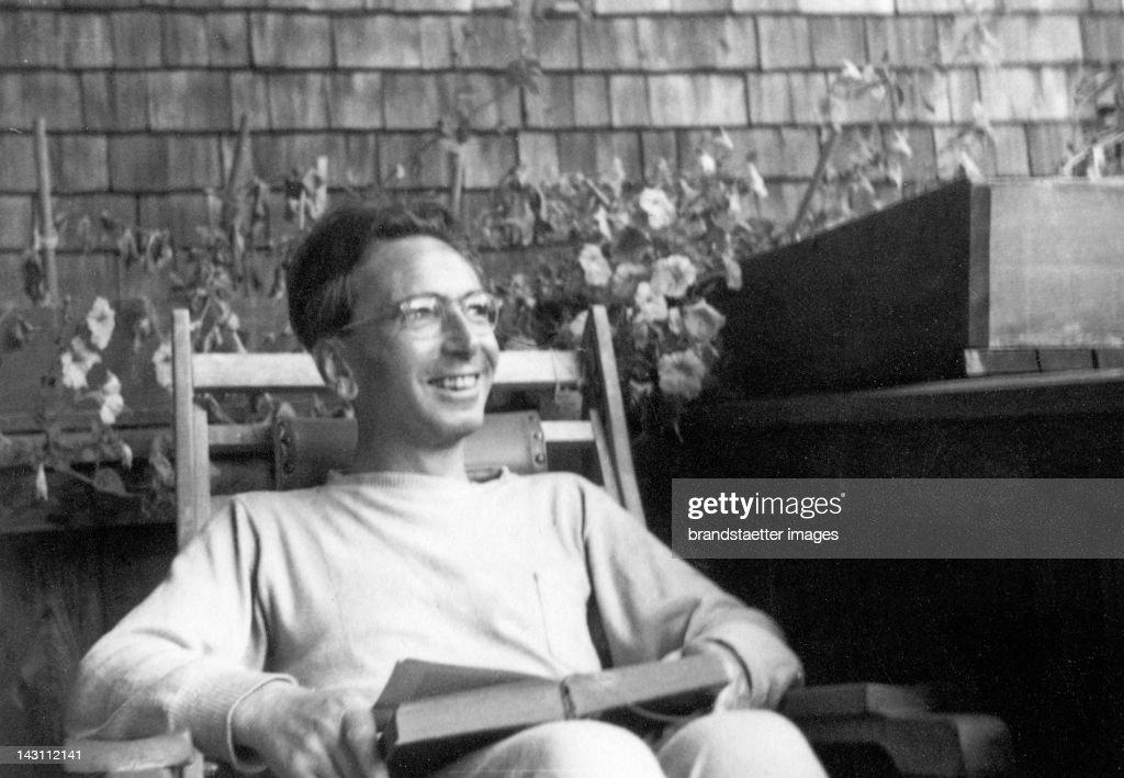 Portrait of Austrian psychologist Viktor Frankl. Photograph. 1947. : News Photo