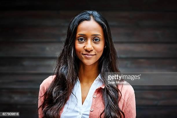 Porträt von schöne junge Geschäftsfrau