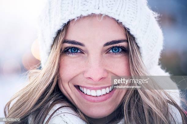 Porträt von schöne junge Frau