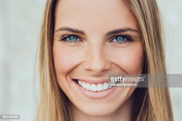 portrait of beautiful young woman - natural condition stock pictures, royalty-free photos & images
