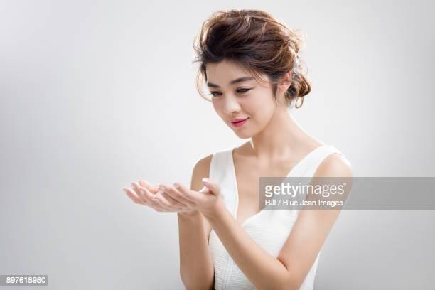 portrait of beautiful young woman - 中国北東部 ストックフォトと画像
