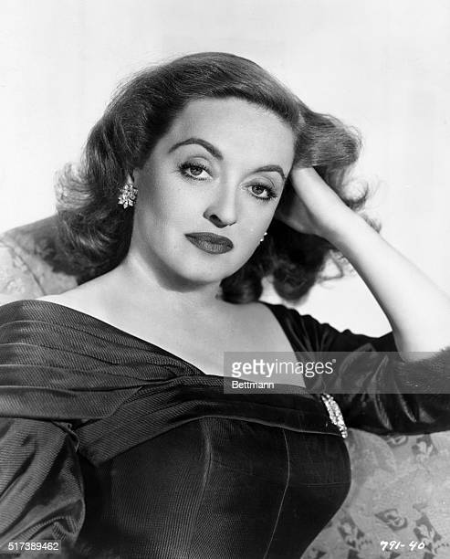 Portrait of Bette Davis in the role of Margo Channing for the 1950 Twentieth Century Fox production All About Eve Undated publicity photograph