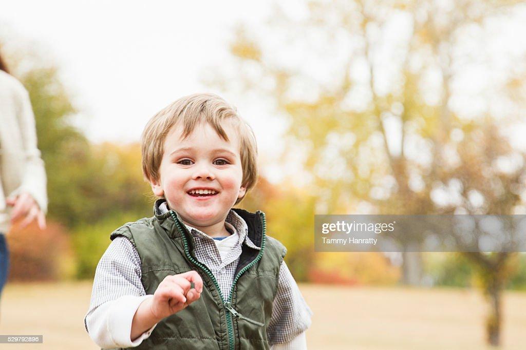 Portrait of boy (4-5) : ストックフォト