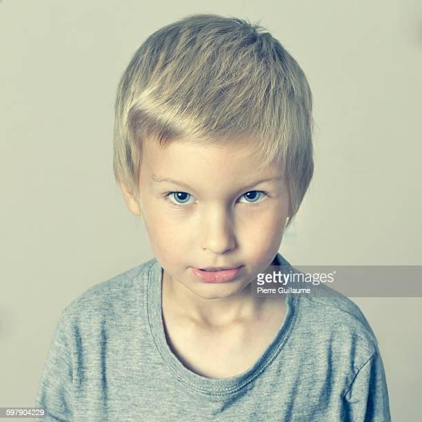 portrait of boy (5 years). - 4 5 years stock pictures, royalty-free photos & images