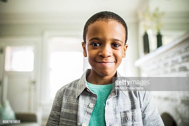 portrait of boy (8yrs) - 8 9 jahre stock-fotos und bilder