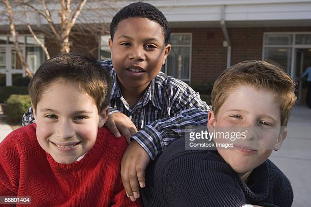portrait of boys outdoors - alleen jongens stockfoto's en -beelden