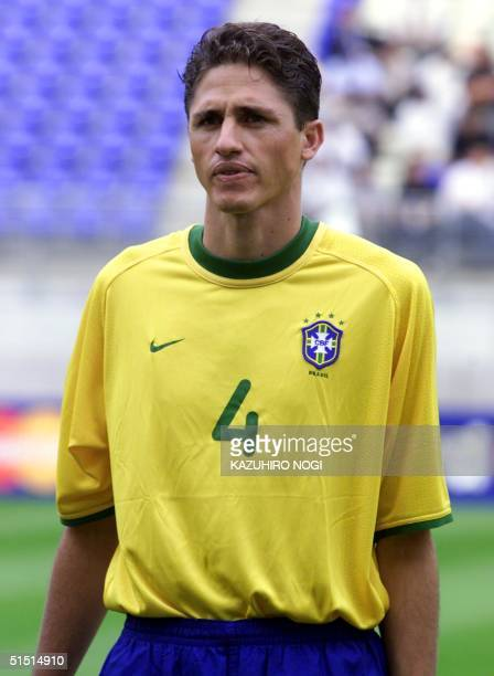 Portrait of Brazilian defender Edmilson taken 31 May 2001 in Kashima before the start of the Confederations' Cup Korea/Japan soccer match between...