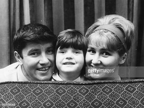 Portrait of British comedian Jimmy Tarbuck with his daughter Mandy and wife Pauline 1964