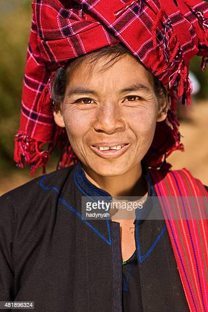 ミャンマーの女性のポートレート