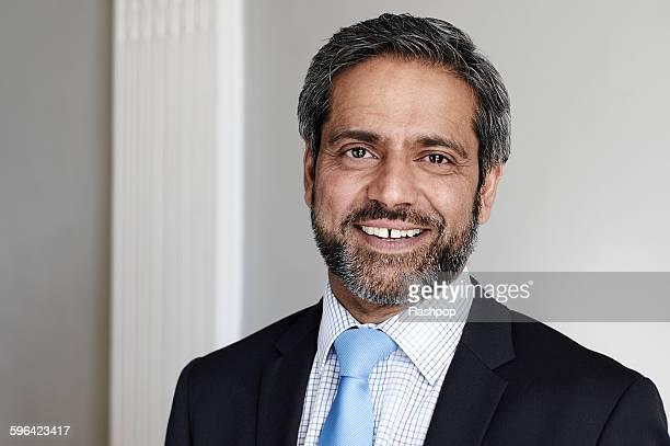 portrait of business person - solo un uomo maturo foto e immagini stock