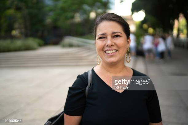 portrait of business woman outdoors - brazilian ethnicity stock pictures, royalty-free photos & images