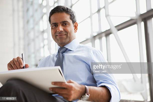 portrait of businessman, smiling - indian subcontinent ethnicity stock pictures, royalty-free photos & images