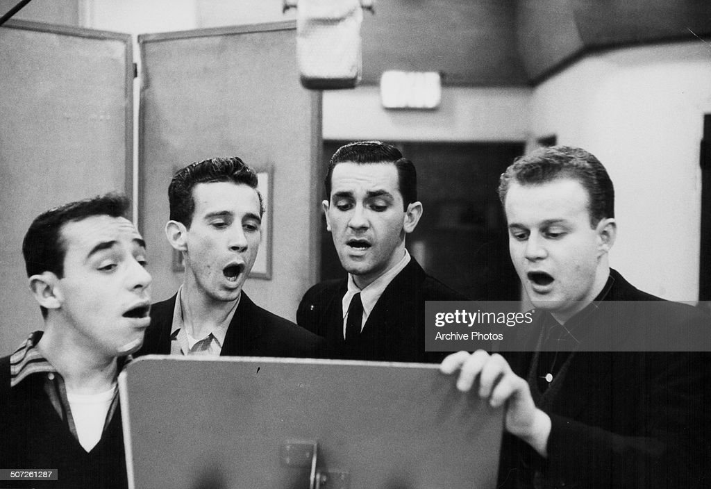 The Four Lads : News Photo