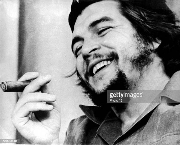 Argentinian rebel Ernesto Che Guevara who helped Castro run the Cuban revolution with his left arm in a sling