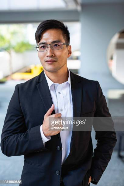 portrait of chinese professional in business casual attire - open collar stock pictures, royalty-free photos & images